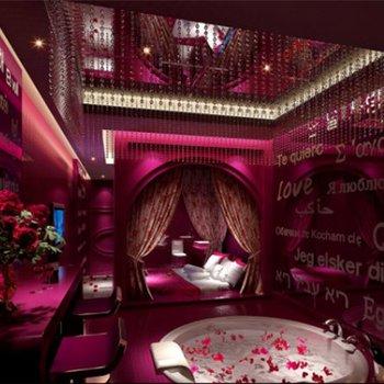 万爱情侣主题酒店(盘龙区汇都国际店)图片